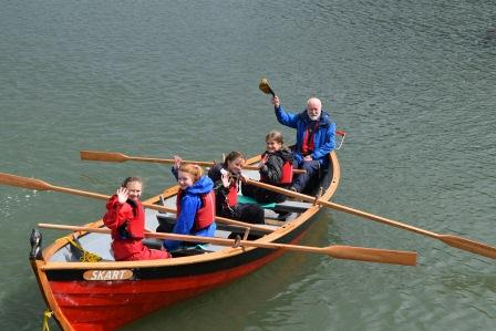 ROWING, PADDLING AND SEA SKILLS TRAINING FOR YOUNG PEOPLE